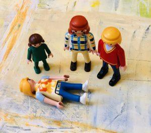 Systemisk Opstilling. Med figurer kan man lave stærke ydre billeder af børns indre virkelighed.