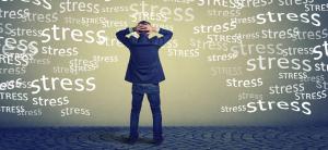 En stresset mand, som har godt af Systemisk Opstilling